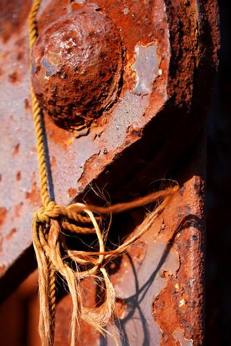 bridge jones nikon rust iron steel south southcarolina knot rusted bolt carolina string willie twine d60 nikond60 willieleejones