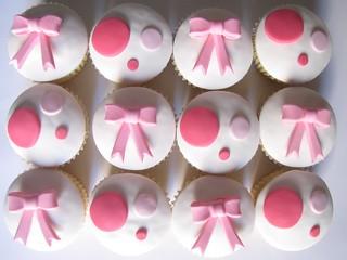 Polka Dot and Bow Cupcakes