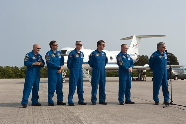 space shuttle endeavour crew members - photo #36