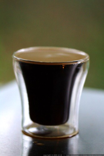 espresso from coffee beans that were roasted moments ago     MG 0845
