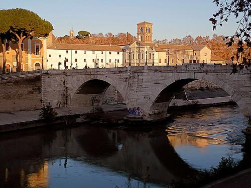 isolatiberina tevere ponte bridge city fiume sunset tramonto pontecestio