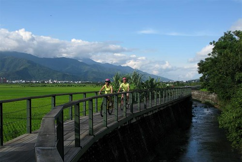 Dapo Pond Bicycle Route, Chihshang by Adventurocity