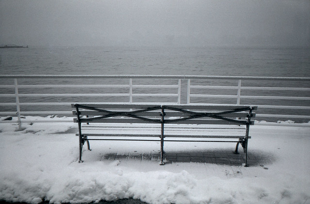 bench, snowing, Hudson river