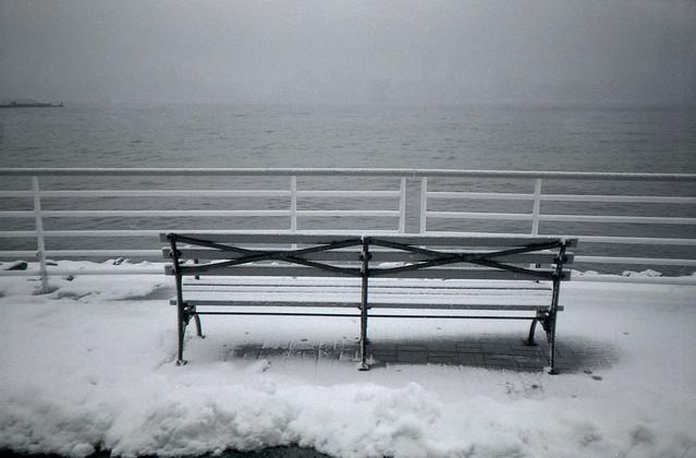 bench, snowing, Hudson river