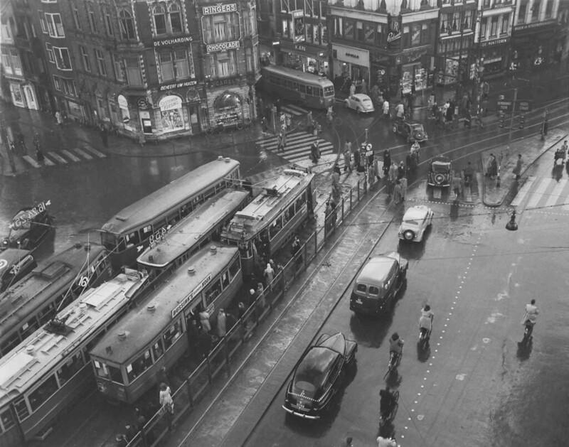 02-04-1952_10233A Muntplein