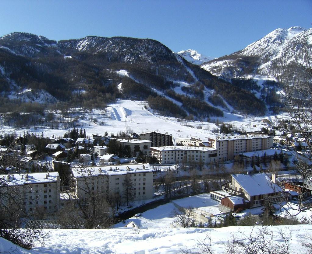 Hautes alpes provence alpes c te d 39 azur france tripcarta for Hautes alpes