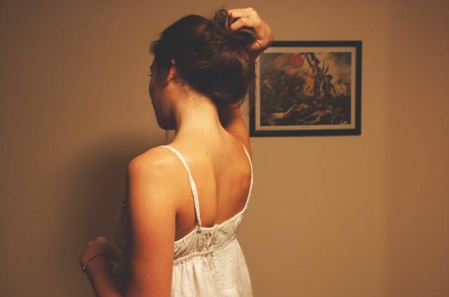Фото девушек в домашних условиях со спины на аву
