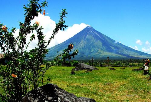 landscape philippines vulcan bicol cagsawa albay activevolcano mayonvolcano perfectcone fongetz francistan