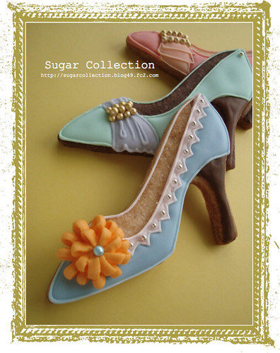 High heel shoe cookies
