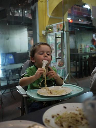 4384368893 d1b4af4fe8 I Eatz Noodles Weally Good, Mum!