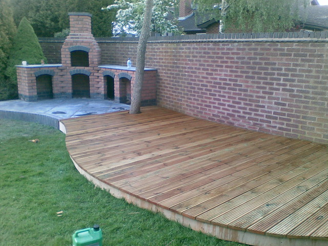 garden decking burbage hinckley curved decking