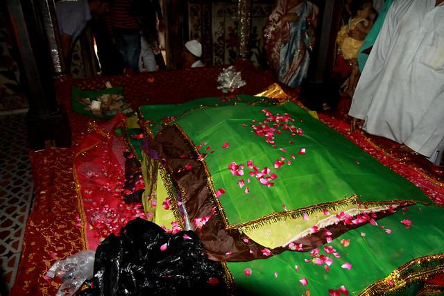 sheikh salim chisti tomb