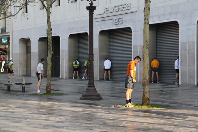 Champs-Elysées - The Decisive Moment in Street Photography