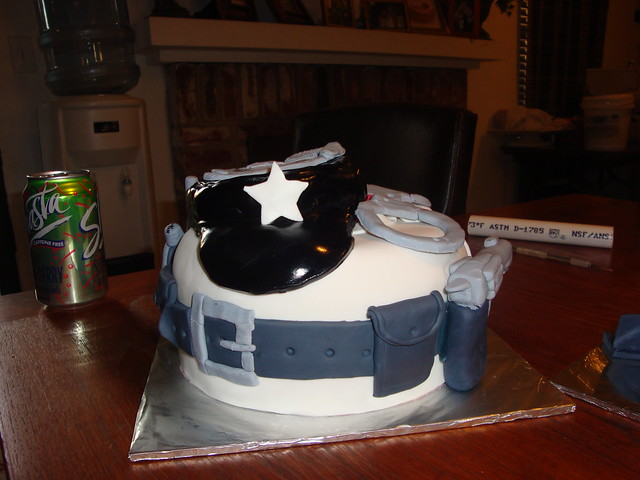 Cake Decorating Ideas Police Officer : Police Cakes Cake Ideas and Designs