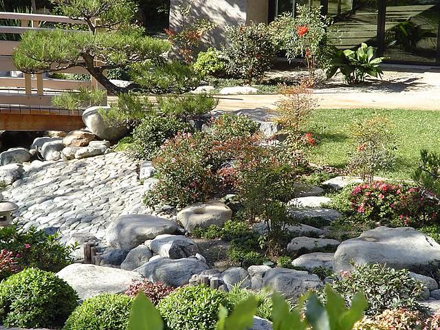 James irvine japanese garden in little tokyo flickr for Little japanese garden
