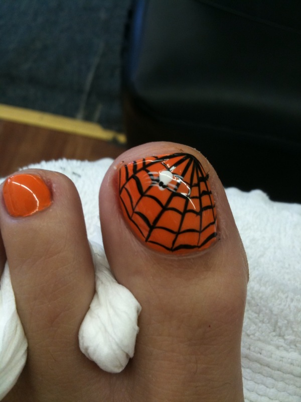 Halloween pedicure | Flickr - Photo Sharing!