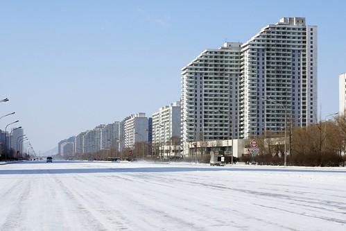 Tongil Street in winter (4)