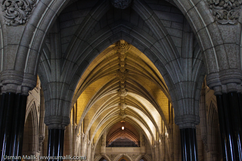 The halls of Parliament (UJMi via Flickr)