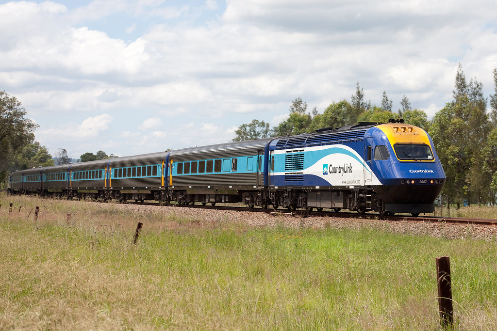 XPT at Wallarobba by Trent