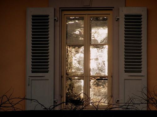 morning two sun sunlight window glass sunrise reflections gold schweiz switzerland open suisse panes shutters svizzera six vevey vaud blackmagic romandie risforreflection bestofr 1j1t
