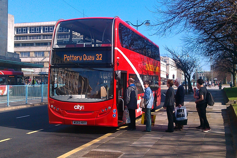 Plymouth Citybus Enviro 400 520 is seen on an unbelievably rare working of the 32!!