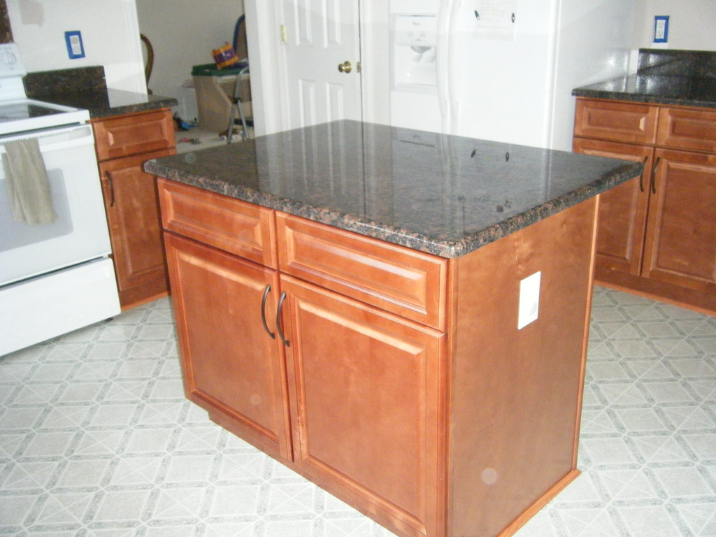 All Wood Cabinets and Granite Countertops - Concord, NC - Highland Creek
