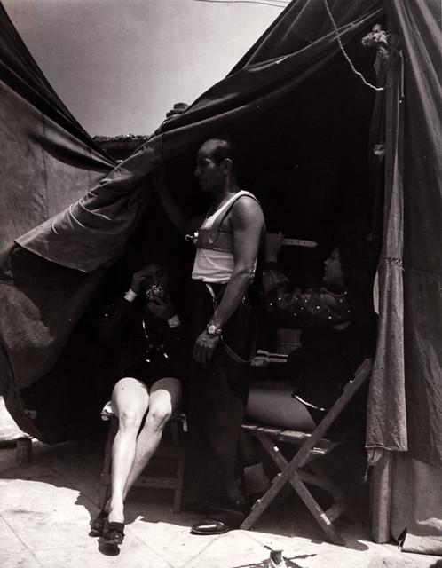Untitled, photograph by Lola Álvarez Bravo, 1938-1940