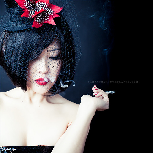 4509134967 2bba95a4e2 z [Pics] Flickr Spotlight #13 – Smoking Portraits