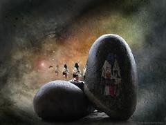 """The transformation of what I think I am Consciousness is the witness (and the source) of my toughts</a>HKD</p> <p>Dieses Bild veranschaulicht den Wandel meines Denkens bezüglich dessen, was ich bin.</p> <p>Anfangs die materialistische Einstellung: Materie erzeugt Geist. Diese wechselte in Geist über Materie und endet schließlich im Prinzip des Bewusstseins welches alles ist, Geist und Materie.</p> <p>Das Licht in diesem Bild steht als Platzhalter für Bewusstsein. Das Bewusstsein als solches oder die eigentliche Quelle der Wahrnehmung, der """"Geist"""" kann nicht bestimmt werden. Wie der Begriff des Tao bleibt er ohne letzte Definition, denn er ist alles und nichts gleichzeitig.</p> <p>HKD</p> <p>Transformation for me is a very important meaning of my life.</p> <p>HKD</p> <p>"""