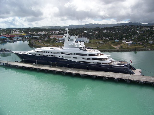 Antigua Harbor-al Mirqab Yacht