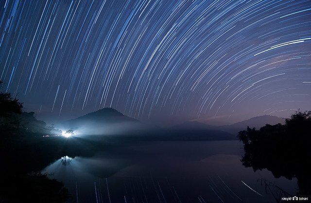 Semenyih Lake Startrails - my lucky night!