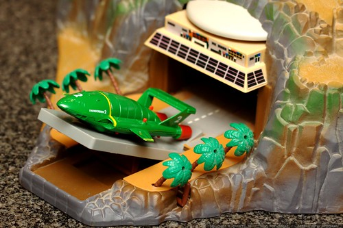 launch ramp for thunderbird two   matchbox tracy island electronic playset    MG 7017