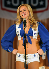 Dallas Cowboys Cheerleaders pay a Christmas visit to USAG Humphreys