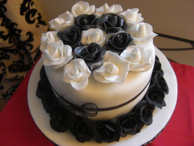 white roses birthday cake for Idealvistalistco