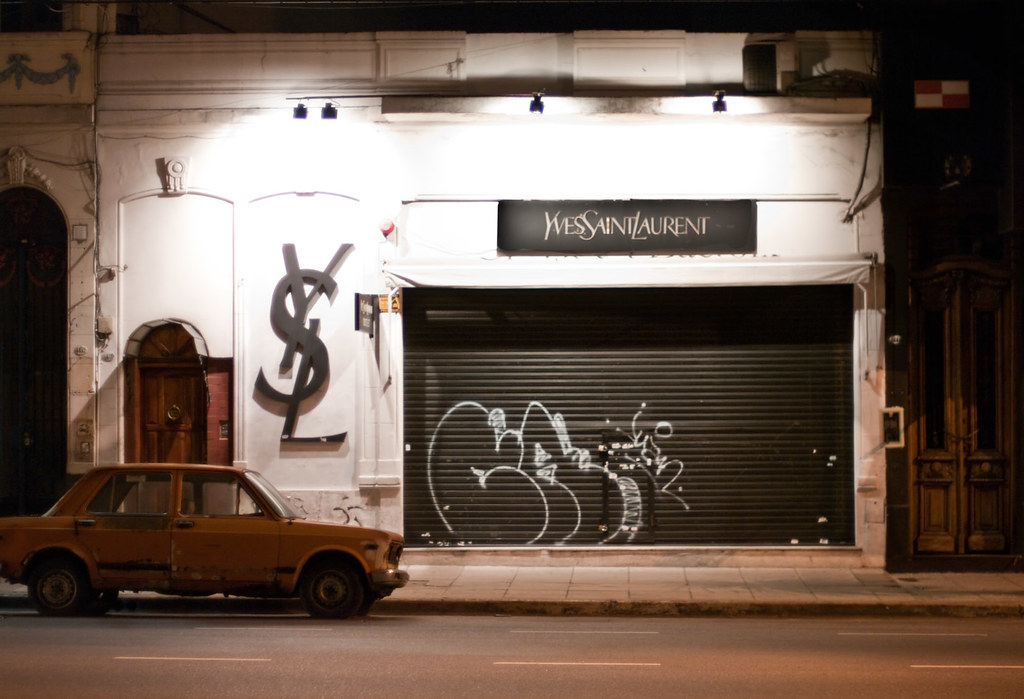 yves-st-laurent-store-buenos-aires