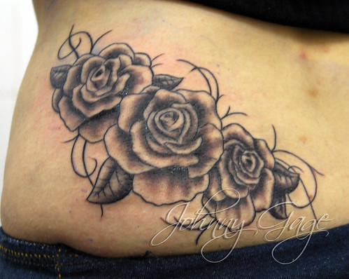 we are inked 25 stunning roses and vines tattoos. Black Bedroom Furniture Sets. Home Design Ideas