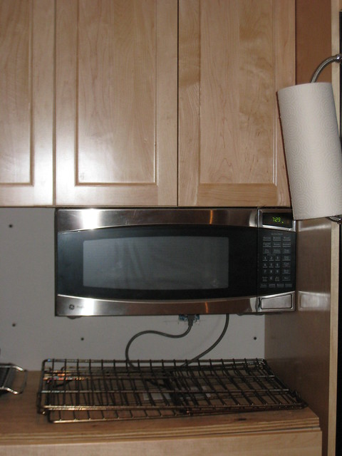 Ge Spacemaker Microwave Installation Under cabinet microwave | Explore AmyK!'s photos on Flickr ...