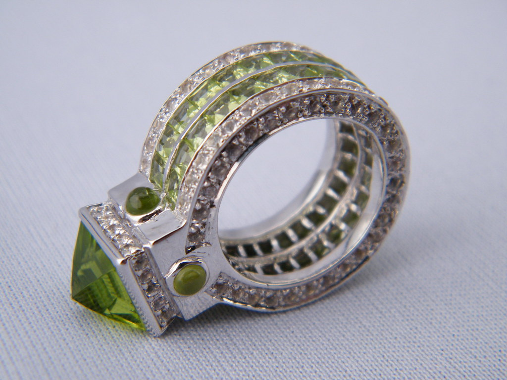 HIGH END ENGAGEMENT RING