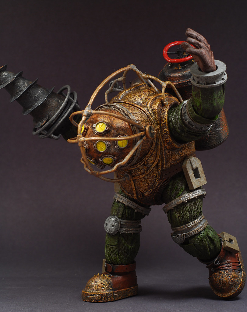 Bioshock 2 big daddy bouncer photos the toyark news for Big daddy s antiques