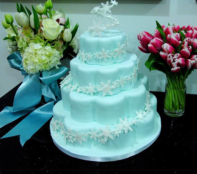 W9028 - winter wedding cake  W9028 - A 4 tier petal shaped ...