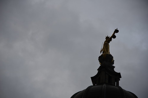FW Pomeroy's statue of Justice atop the Old Bailey