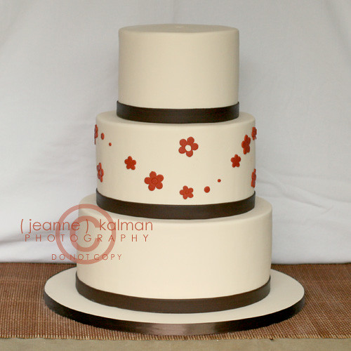 A simple fall wedding cake Simple and elegant this fondant covered cake