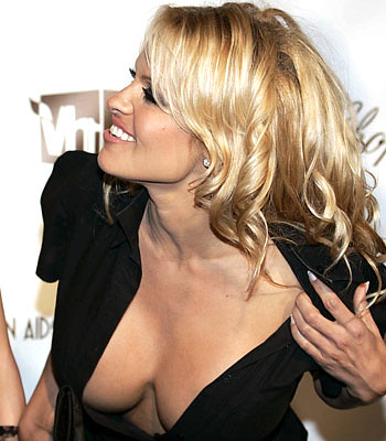 658992-pamela-anderson-nude-for-reality-tv by Thaalia ;}