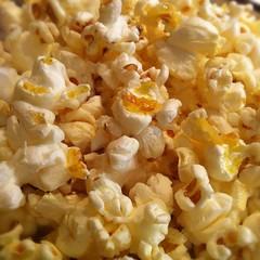 kettle corn(1.0), food(1.0), dish(1.0), snack food(1.0), popcorn(1.0),