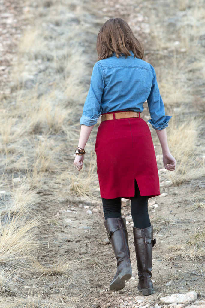 outfit, red pencil skirt, chambray shirt, red, blue, never fully dressed, withoutastyle, wyoming,