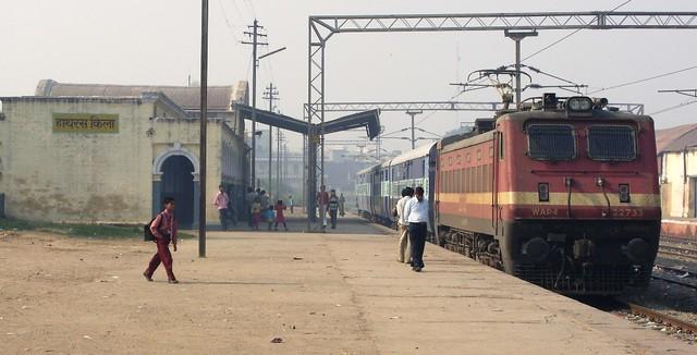 hathras qila wid its famous train | Flickr - Photo Sharing!