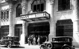 Cine Real el primer establecimiento diseñado como biografo,  calle Compañia