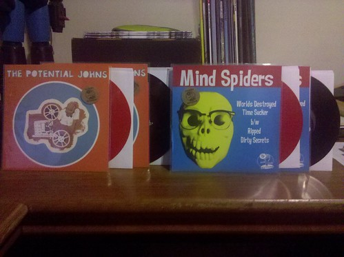 "Potential Johns 7"" (Red & Black Vinyl) & Mind Spiders 7"" (Red & Black  Vinyl) by factportugal"