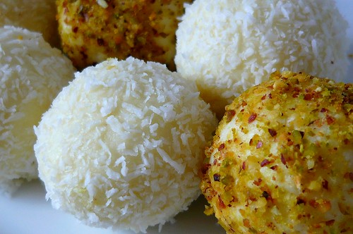 coconut and pistachio balls (raffaello)