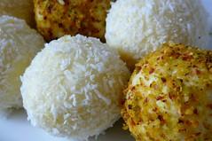 steamed rice(0.0), croquette(0.0), rice(0.0), arancini(0.0), korokke(0.0), produce(0.0), glutinous rice(0.0), onigiri(0.0), meal(1.0), coconut(1.0), panko(1.0), vegetarian food(1.0), laddu(1.0), food(1.0), dish(1.0), dessert(1.0), cuisine(1.0),